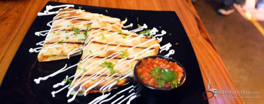 high-street-cafe-review-west-delhi-restaurants-pubs-cheap-booze